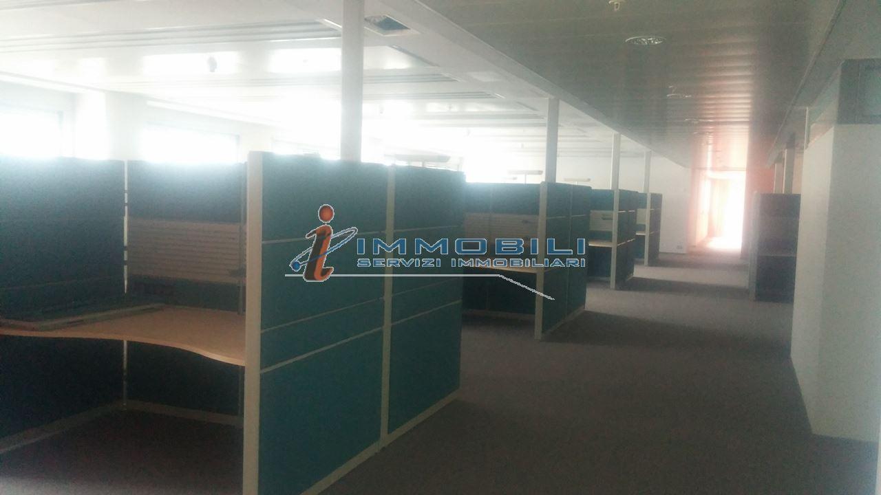 capannone,negozio,ufficio in Affitto  a monza - RIF. UL2314