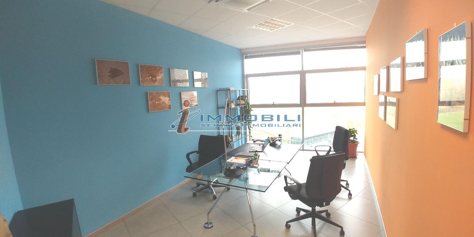 capannone,negozio,ufficio in Affitto  a cernusco sul naviglio - RIF. UL2436