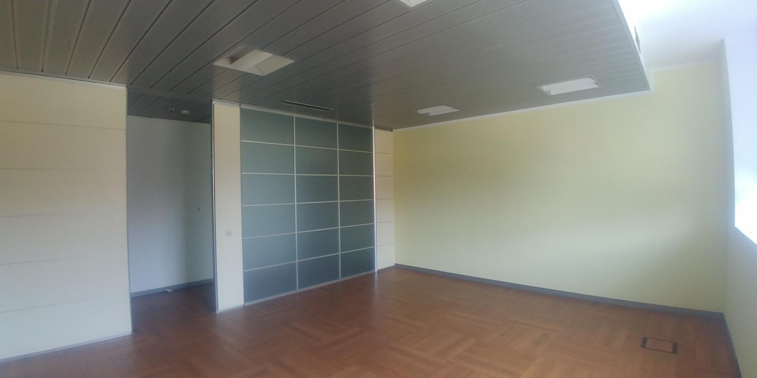 Capannone,Negozio,Ufficio in Affitto  a Lainate - RIF. ULSY055