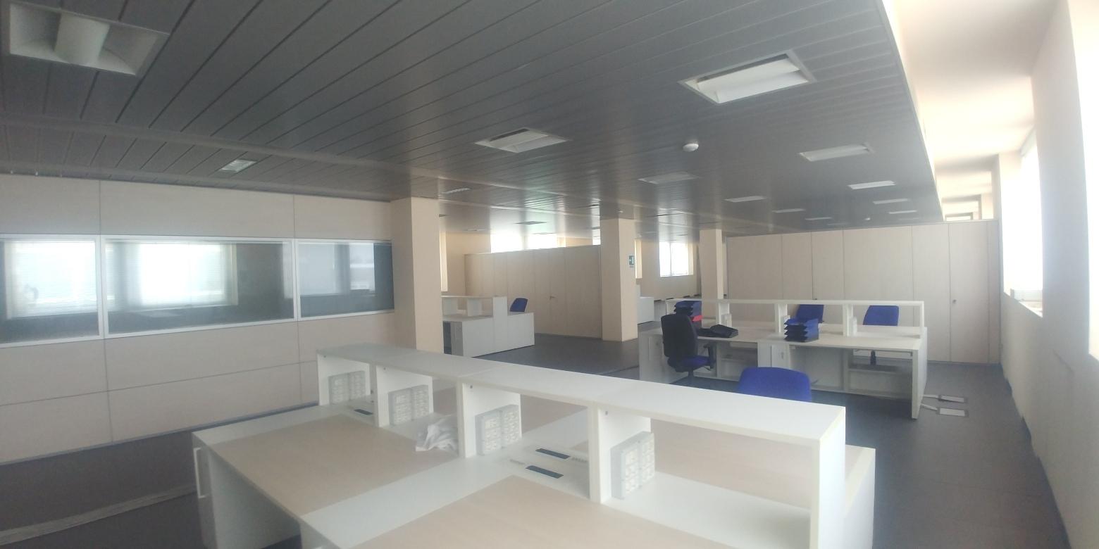 Capannone,Negozio,Ufficio in Affitto  a Lainate - RIF. ULSY057