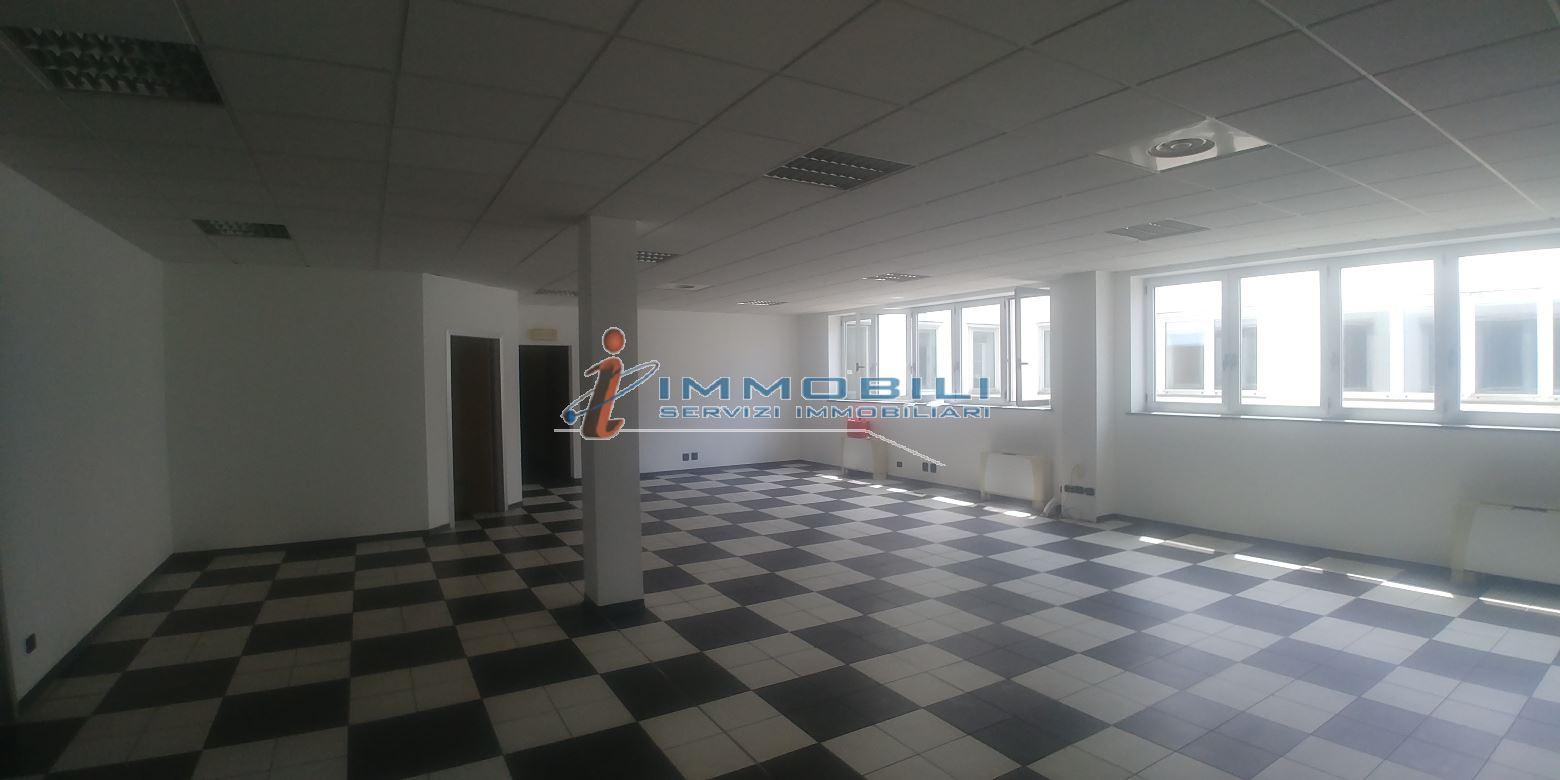 Immobile in Vendita  zona Gallarate a Milano - RIF. UVQV006