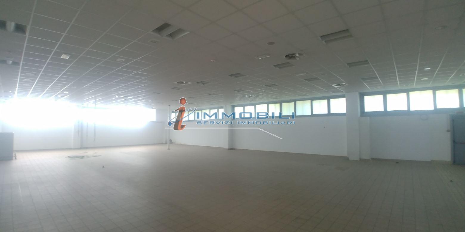Show Room in Vendita  in Lombardia - RIF. WVRW001