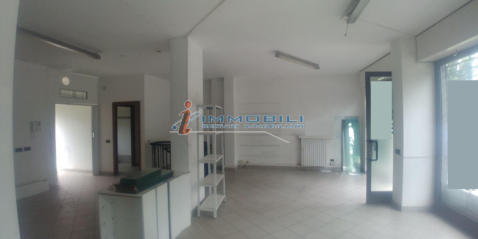 show room in Vendita  a milano - RIF. WVRW004