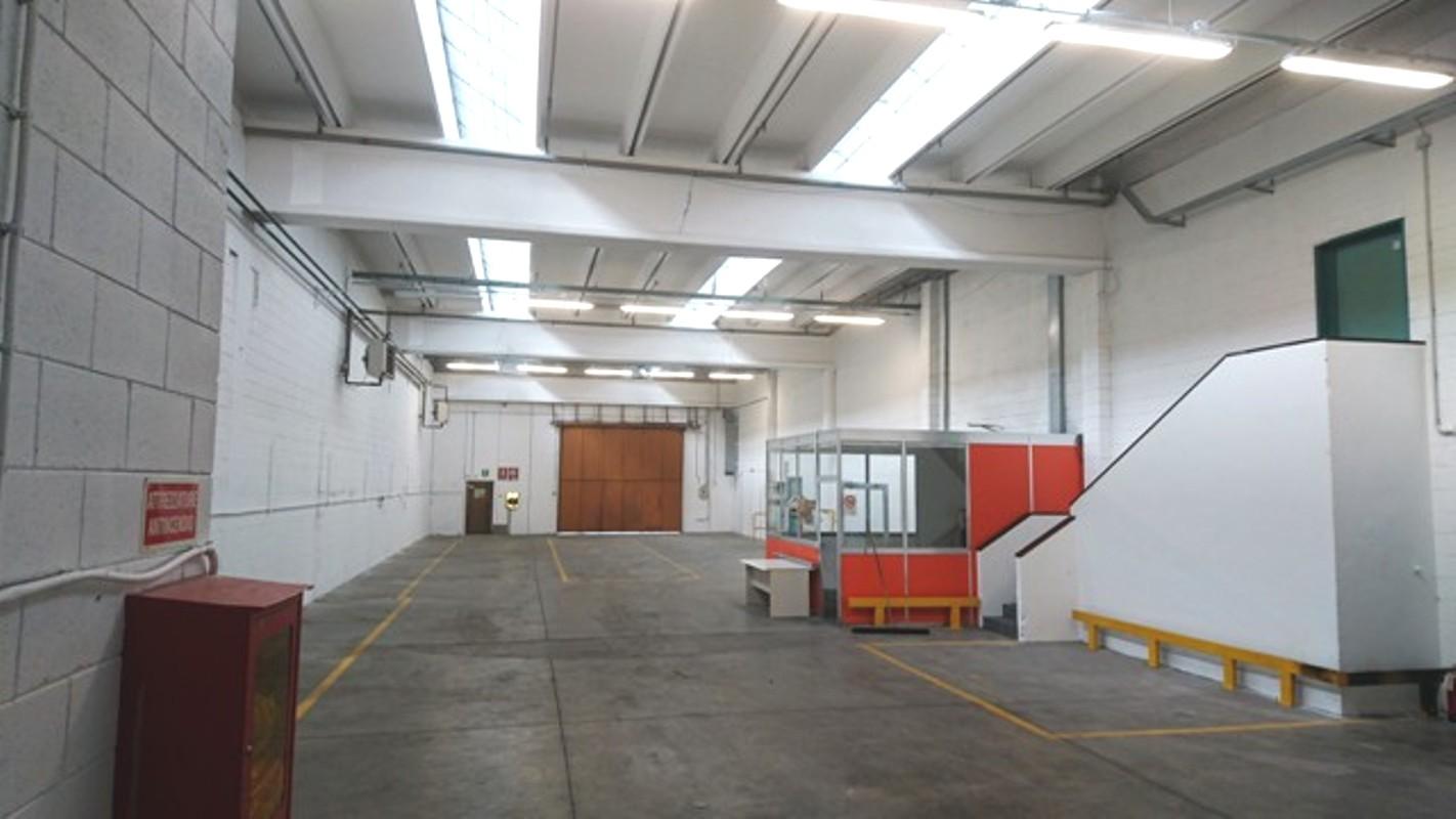 capannone,negozio,ufficio in Affitto  a lainate - RIF. ZL1103