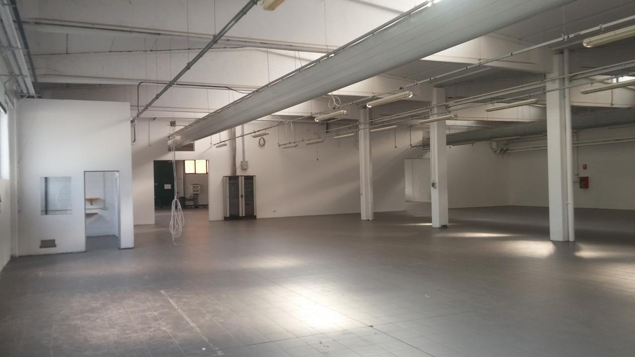 capannone,negozio,ufficio in Affitto  zona - a rho - RIF. ZLJP110